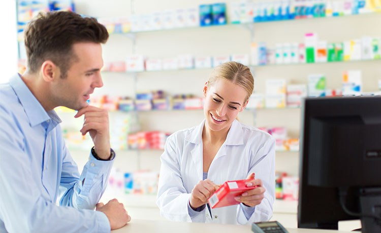 2019_09_-pharmacy-and-customer2.jpg_750_460.jpg#asset:540